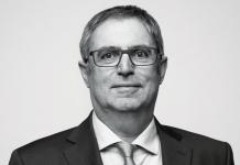Manfred Diez als Vorsitzender des ZVEI-Fachverbands Licht bestätigt