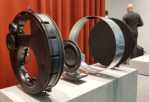 Bang & Olufson präsentiert den Designer-Lautsprecher Edge