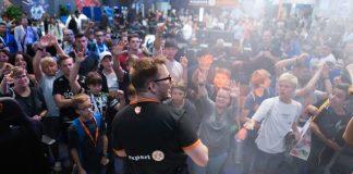 Auf der IFA 2018 sorgte der expert Messestand für Gaming-Atmosphäre. Foto: expert
