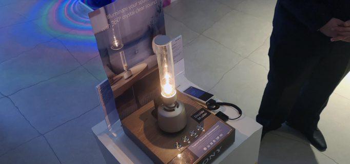 Der Glaslautsprecher LSPX-S1 füllt den Raum mit kristallklarem Klang und angenehmem Licht