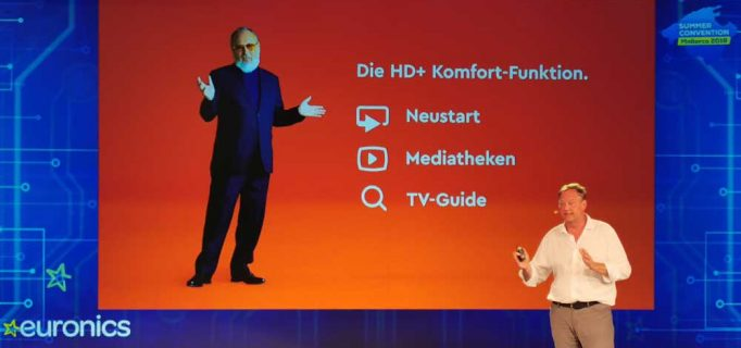 Timo Schneckenburger, HD+ Geschäftsführer Vertrieb und Marketing, präsentierte den neuen WhatsApp-Infokanal POSt HD+