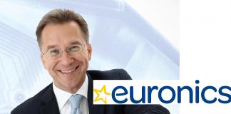 Benedict Kober mit Euronics-Logo