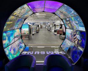 Blick aus dem QLED-Tunnel bei Euronics Berlet. Foto: Euronics Berlet
