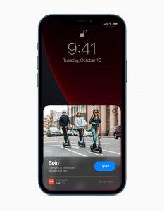 Apple iphone 12 pro ios lockscreen darkmode. Foto: Apple