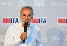 Hans-Joachim Kamp spricht auf der IFA-Pressekonferenz 2018