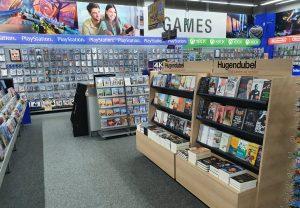 Hugendubel Regal im expert Store. Foto: expert