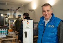 Dirk Witter, Euronics-Händler mit Hygienemaßnahmen in seinem Ladengeschäft