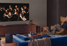 Samsung QN900A TV im Wohnzimmer