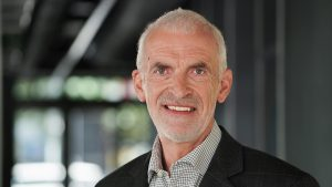 Peter Cossé von weee full-service