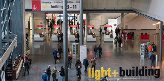 Light + Building - Menschen am Portalhaus