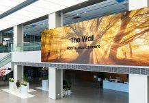The Wall 2021 von Samsung - riesiges 8K-Display in Empfangshalle