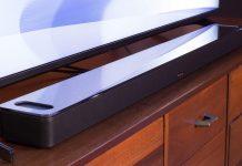 Bose Smart Soundbar 900 vor Fernseher