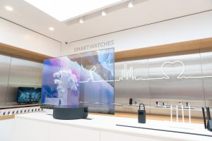 Transparentes Display im Xiaomi Store
