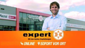 Screenshot expert-TV-Spot Fußballplatz