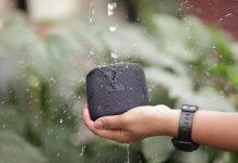 StormBox Micro Splash - Wasserstrahl läuft auf kompakten und robusten Speaker